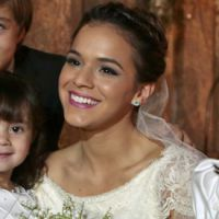 """Fim de """"Em Família"""": Bruna Marquezine e elenco gravam união de Luiza e Laerte"""