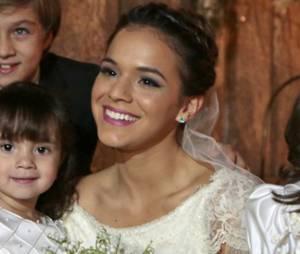"""Na novela """"Em Família"""", Luiza (Bruna Marquezine) vai se casar com Laerte (Gabriel Braga Nunes)"""