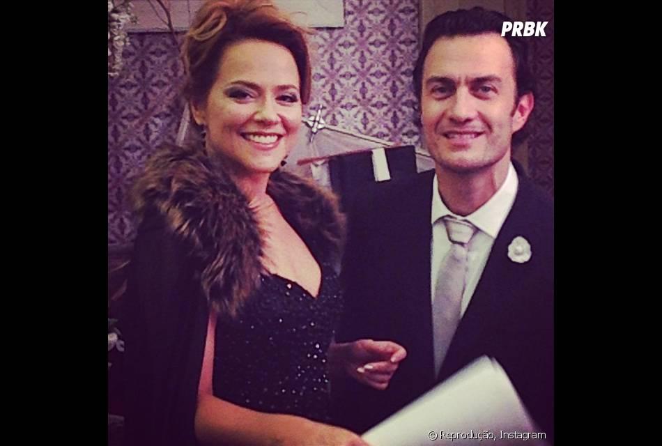 """Na trama de """"Em Família"""", Shirley (Vivianne Pasmanter) fica ao lado de Laerte (Gabriel Braga Nunes) no casamento dele com Luiza (Bruna Marquezine)"""