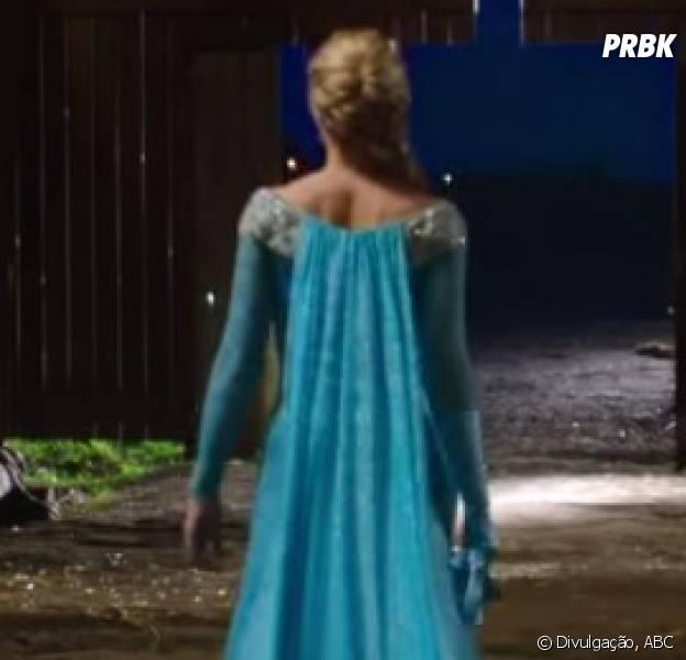 """A Elsa (Georgina Haig) apareeu no set de """"Once Upon a Time"""""""
