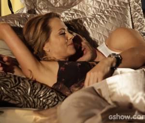 """Na noite anterior ao casamento com Luiza (Bruna Marquezine), Laerte (Gabriel Braga Nunes) passa a noite com Shirley (Vivianne Pasmanter) na novela """"Em Família"""""""