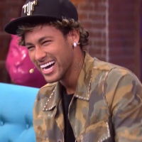 """Neymar Jr. e Marina Ruy Barbosa brincam com Tatá Werneck em comercial do """"Lady Night"""""""