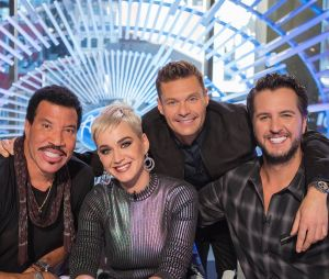 "Katy Perry incia as gravações do ""American Idol"" ao lado de Lionel Richie, Luke Bryan e Ryan Seacrest"
