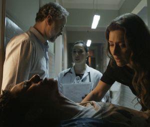 """Novela """"A Força do Querer"""": Joyce (Maria Fernanda Cândido) vê Ivan (Carol Duarte) machucado e sofre"""