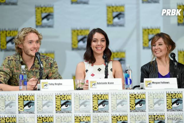 """Toby Regbo (Francis), Adelaide Kane (Mary) e Megan Follows (Catherine), de """"Reign"""", falaram sobre a nova temporada da série"""