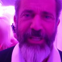 """Mel Gibson faz convite aos fãs brasileiros para assistirem """"Os Mercenários 3"""""""