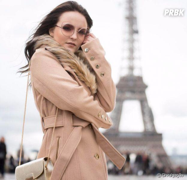 Larissa Manoela está em Paris para lançar sua nova coleção de bolsas ... 9d9f02263a