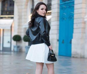 Larissa Manoela vai para Paris fotografar com nova linha de bolsas