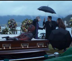"""De """"Deadpool"""", anti-herói aparece em caixão e mais cenas de ação!"""