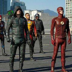 """Em """"The Flash"""", """"Arrow"""", """"Legends of Tomorrow"""" e """"Supergirl"""", casamento de Barry é interrompido!"""