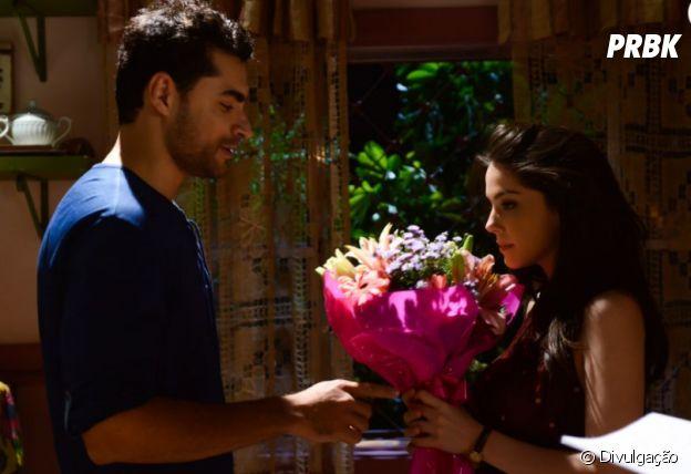 """Novela """"Carinha de Anjo"""": Gustavo (Carlo Porto) e Cecília (Bia Arantes) ainda se amam"""