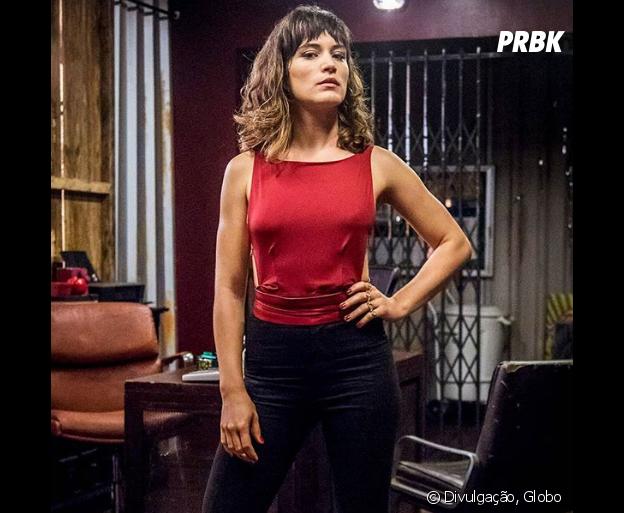 """De """"O Outro Lado do Paraíso"""", Clara (Bianca Bin) aparece com look chique pela 1ª vez"""