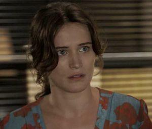 """Em """"O Outro Lado do Paraíso"""", Clara (Bianca Bin) surge com look chique após ficar milionária"""