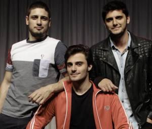 """Daniel Rocha, Hugo Bonemer e Bruno Gissoni posam para divulgar a peça """"A História dos Amantes"""""""