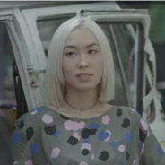 """Novela """"Malhação"""": Tina (Ana Hikari) desconfia de Mitsuko (Lina Agifu) em acidente de Anderson"""