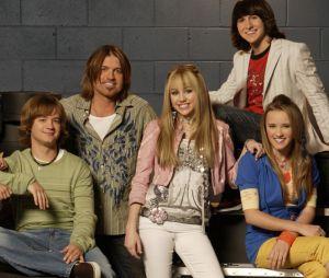 """Elenco de """"Hannah Montana"""" se encontra e deixa fãs nostálgicos!"""