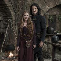"""Novela """"Deus Salve o Rei"""": Amália se sentirá culpada após Afonso abandonar do trono!"""