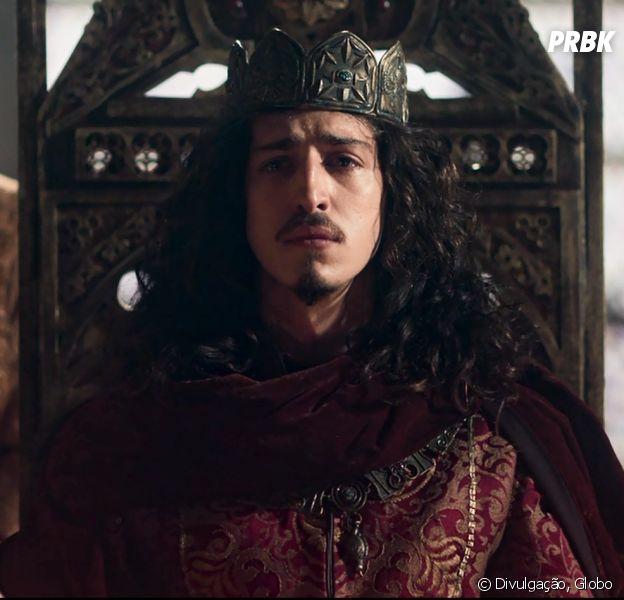 """Em """"Deus Salve o Rei"""", Rodolfo (Johhny Massaro) assume o trono de Montemor"""