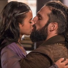 """Novela """"Deus Salve o Rei"""": Catarina (Bruna Marquezine) e Constantino ficam noivos!"""