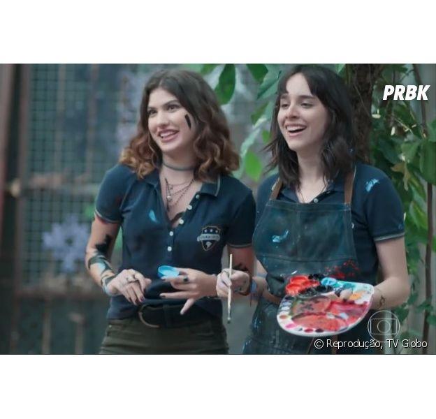 """No final de """"Malhação"""", Samantha (Giovanna Grigio) canta música de amor para Lica (Manoela Aliperti)"""