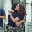 """Nos últimos capítulos de """"Malhação"""", Samantha (Giovanna Grigio) homenageia Lica (Manoela Aliperti) no último clipe dos Lagostins"""
