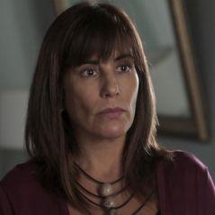 """Novela """"O Outro Lado do Paraíso"""": Beth é impedida de salvar Adriana por causa de alcoolismo"""