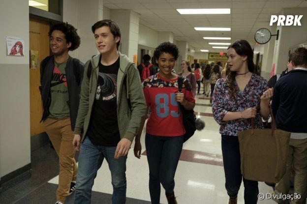 """""""Com amor, Simon"""": para contar a história de Simon(Nick Robinson), os seus amigos Leah (Katherine Langford), Abby (Alexandra Shipp) e Nick (Jorge Lendeborg Jr.) são peças chave"""