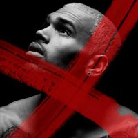 """Chris Brown divulga a música """"X"""", presente em seu novo álbum"""