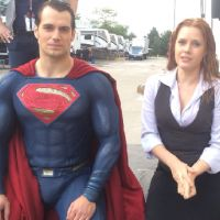 Desafio do Balde de Gelo: Superman e Amy Adams fazem campanha nos bastidores