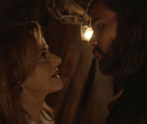 """Em """"O Outro Lado do Paraíso"""": Mariano (Juliano Cazarré) conta tudo que sabe sobre os crimes de Sophia (Marieta Severo)"""