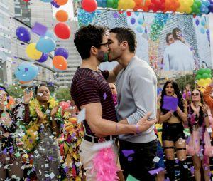 """Alfonso Herrera brilhou em duas temporadas da série """"Sense8"""", da Netflix"""