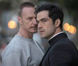 """Alfonso Herrera também teve um papel de destaque nas duas temporadas da série """"O Exorcista"""", da FOX"""