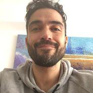 """Alfonso Herrera faz homenagem ao Brasil em presente para o filho: """"Com estilo"""""""