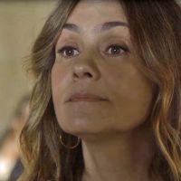 """Novela """"Segundo Sol"""": Laureta (Adriana Esteves) paga para transar com Ícaro (Chay Suede)"""