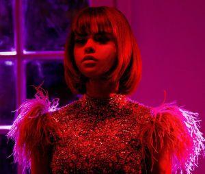 """Após dois clipes verticais, Selena Gomez se prepara para lançar um clipe ofical da música """"Back To You"""" no Youtube"""