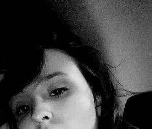 Larissa Manoela reclama que não passou o Dia dos Namorados ao lado de Leo Cidade