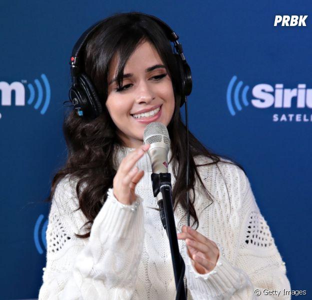 Camila Cabello alfineta Fifth Harmony em compartilhamento de notícia