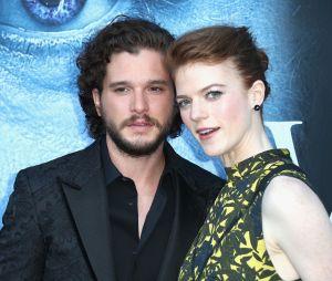 """Jon Snow e Ygritte casaram! Kit Harington e Rose Leslie, de """"Game of Thrones"""", sobem ao altar na Escócia"""