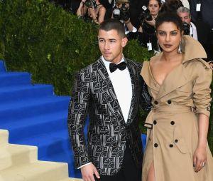 Foi há apenas dois meses que Nick Jonas e Priyanka Chopra, agora noivos, começaram a sair