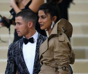 Segundo a revista People, Nick Jonas pediu Priyanka Chopra em casamento no aniversário da atriz