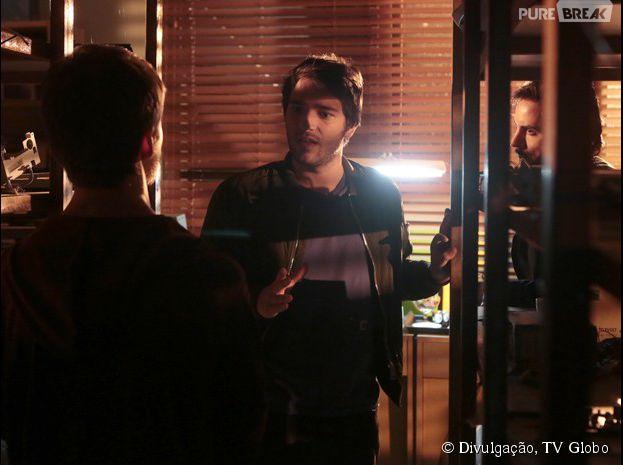 """Herval (Ricardo Tozzi) conta a verdade sobre a investigação de Jonas (Murilo Benício) para Davi (Humberto Carrão), em """"Geração Brasil"""""""