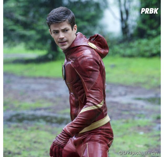 """Grant Gustin, de """"The Flash"""", se irrita com críticas ao novo uniforme do herói e desabafa sobre body shaming"""
