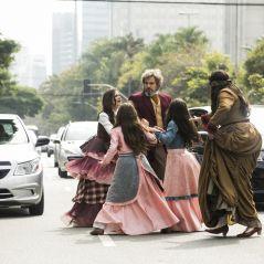 """Em """"O Tempo Não Para"""", Dom Sabino foge com a família e se enrola no trânsito"""