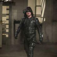 """Stephen Amell, de """"Arrow"""", grava 7ª temporada e mostra machucados de Oliver Queen"""