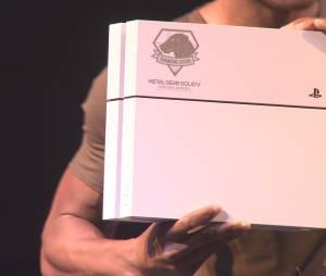 A Konami também anunciou a nova edição limitada do PlayStation 4