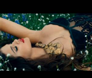 "Selena Gomez super sexy no clipe de ""Come And Get It"""