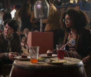 """Rosalind Walker (Jaz Sinclair) e Susie Putnam (Lachlan Watson) são as amigas de Sabrina na Baxter Highem """"O Mundo Sombrio de Sabrina"""""""