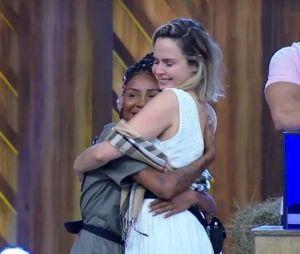 """""""A Fazenda 10"""": no entanto, Ana Paula já construiu um forte laço com Luane"""