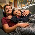 """Em """"O Tempo Não Para"""": Samuca (Nicolas Prattes) e Marocas (Juliana Paiva) ficam noivos da forma mais fofa"""