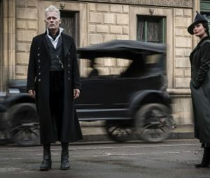 """Johnny Depp e seu Grindelwald talvez seja o grande acerto de """"Animais Fantásticos: Os Crimes de Grindelwald"""""""